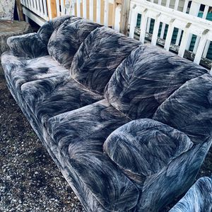 BEAUTIFUL, SUPER COMFORTABLE COUCH/ SLEEPER & RECLINER! DELIVERY AVAILABLE FOR $40 for Sale in Happy Valley, OR