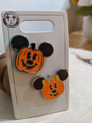 Disney Parks Mickey and Minnie Pumpkin Halloween 2020 Pin Set for Sale in San Jose, CA
