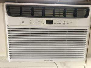Frigidaire 12000 btu air conditioner for Sale in Los Angeles, CA