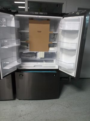 Bottom freezer fridge for Sale in Dearborn, MI