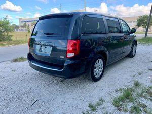 2014 dodge grand caravan se 3 rows for Sale in Miami, FL