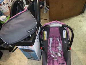 Baby Girl Car Seat for Sale in Waterbury, CT
