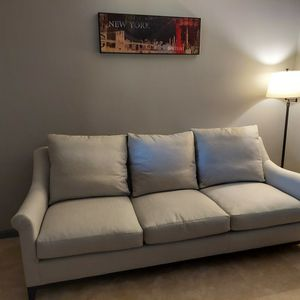 Wesley Hall Sofa for Sale in Lutherville-Timonium, MD