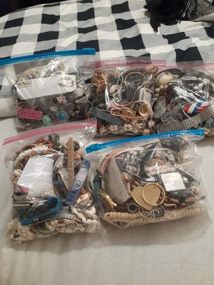 COSTUME JEWELRY GRAB BAGS for Sale in Mesa, AZ