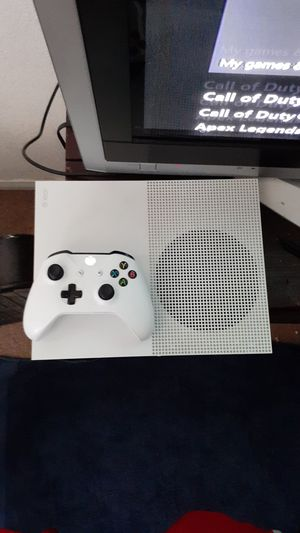 XBOX ONE S (1 TB) WITH NEW CONTROLLER ! AND CORDS! for Sale in Las Vegas, NV