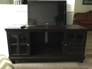Combo entertainment center with tv and fire stick for Sale in Pinellas Park, FL