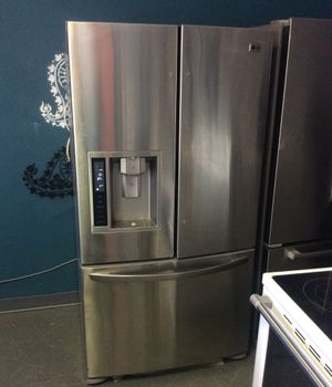LG stainless steel French door refrigerator for Sale in St. Louis, MO