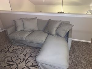Sectional sofa comes with pillow set for Sale in Arvada, CO