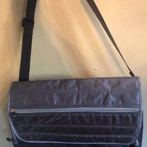 Diaper Cross Body Bag for Sale in Compton, CA