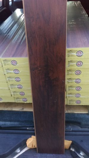 Handscraped hickory laminate flooring 338sqft for Sale in Fort Worth, TX