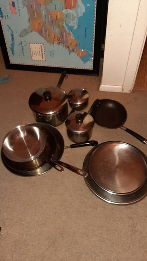 Free pots & pans for Sale in Glendale, AZ