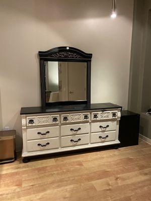 Vintage Black & White Dresser / Mirror Vanity for Sale in Los Angeles, CA