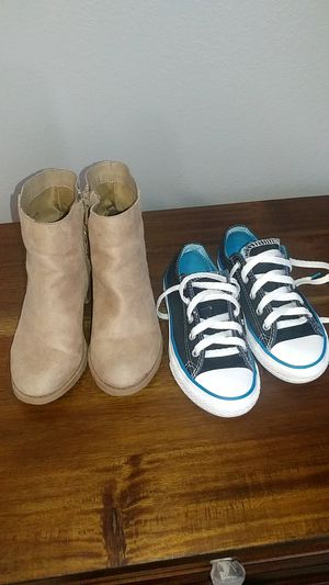 Size 12&13 girl shoes for Sale in Orlando, FL