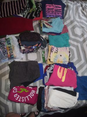Whole crate of womans clothes for Sale in Coraopolis, PA