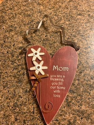 RUSTIC SIGN WALL HANGING MOM DECOR for Sale in Oviedo, FL