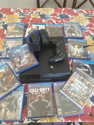 PS4. With headphones and games for Sale in Federal Way, WA