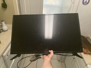 32 inch tv works perfect for Sale in Orlando, FL