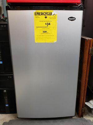 Sanyo Refrigerator for Sale in Monroe, WA