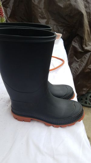 Kids rain boots size 13 for Sale in Hawthorne, CA