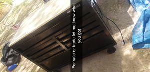 Husky tool box for Sale in Avondale, AZ