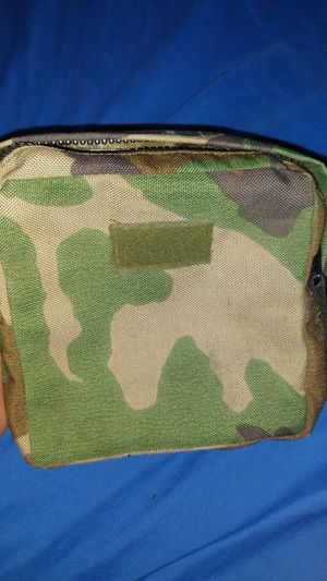 Camouflage pouch for Sale in New York, NY