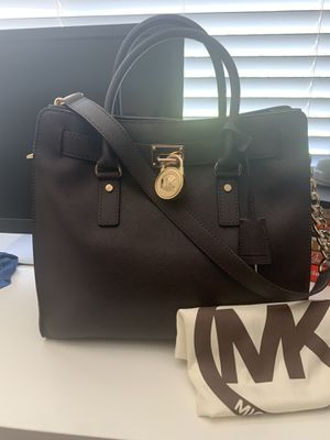 Michael Kors dark brown large crossbody bag for Sale in Miami, FL
