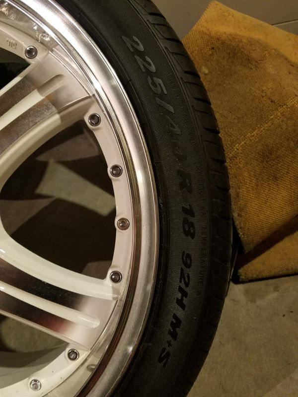 Universal rims with tire