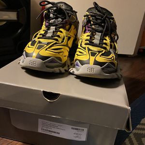 Track.2 open Sneaker Yellow / Black | Size : 44 for Sale in Washington, DC