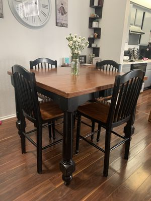 Kitchen dining table for Sale in Corona, CA