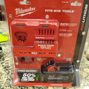 Milwaukee m18 high output xc8.0 battery and rapid charger for Sale in Gilbert, AZ
