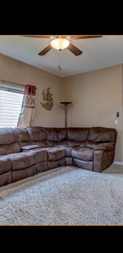Sectional Like New for Sale in Hillsboro,  OR