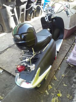 Motorbike moter scooter (trade also) for Sale in Los Angeles,  CA