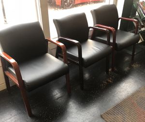 9 office chairs for Sale in St. Louis, MO