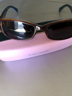 Kate Spade Sunglass for Sale in Des Moines,  WA
