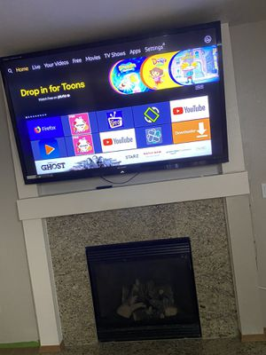 Sharpe tv 70inch Best quality built in Facebook 3 d for Sale in Kent, WA