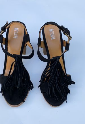Canyon River Blues Tiana Fringe sandal for Sale in Cleveland, OH