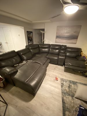 Electronic couch recliner sectional for sale Good shape for Sale in Staten Island, NY
