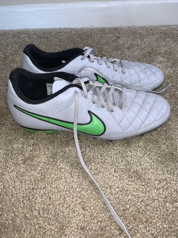 Nike Tiempo Cleats size 10 (used)