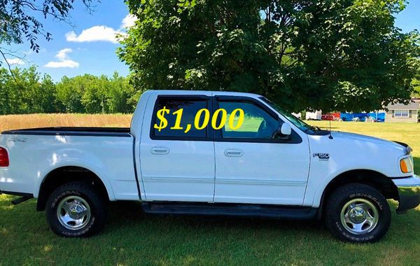 🟢💲1,OOO For sale URGENTLY this Beautiful💚2002 Ford F150 nice Family truck XLT Super Crew Cab 4-Door Runs and drives very smooth V8🟢