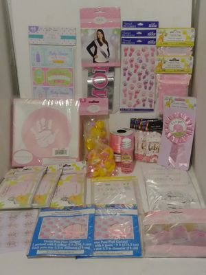 LOT OF 28 PIECES BABY SHOWER IT'S A GIRL for Sale in Hesperia, CA