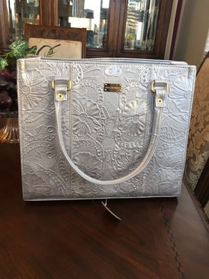 New Embossed Leather Purse for Sale in Manteca, CA