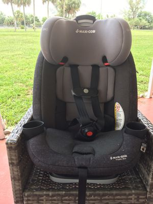2018 maxi cosi Maxi-Cosi Magellan Max All-in-1 Convertible Car Seat. Suitable for children up to 120 lbs for Sale in Hialeah, FL