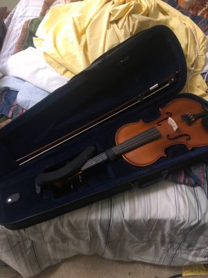 Violin ( no cracks or dents) 4/4 full size for Sale in Cary, NC