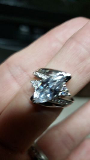 18k gold filled halo ring for Sale in Farmville, VA