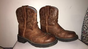 Size 9 Women Ariat boots for Sale in Sherman, IL