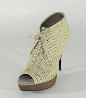 Burberry English Icons Darfield Raf100 Peep Toe Desert Boot for Sale in Orlando, FL