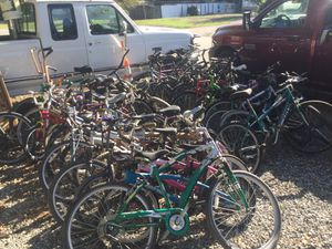 Lots Project bikes for sale . cruiser- mountain bike- Youth - BMX all need work for Sale in Moyock, NC