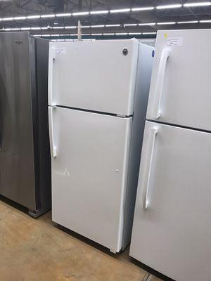 GE top freezer refrigerator for Sale in Pomona, CA