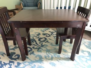 Kid Kraft Kids Table w 2 Chairs for Sale in Frisco, TX