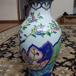 Multi Color Tall Vase for Sale in Edison, NJ